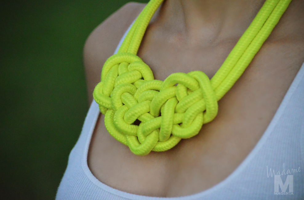 Libertad Pertierra fluo knot necklace yellow 2